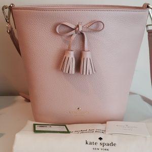 kate spade Bags - Kate Spade Hayes Street Vanessa  crossbody
